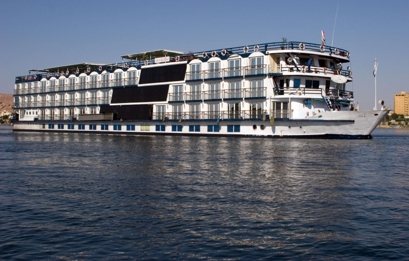 Lake Cruise Omar El Khayam2