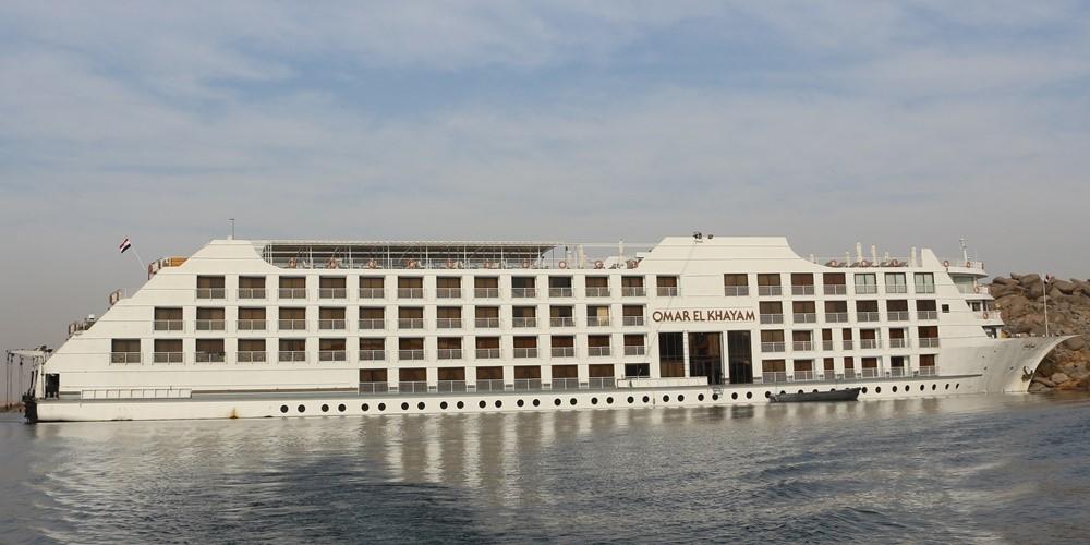 Lake Cruise Omar El Khayam3