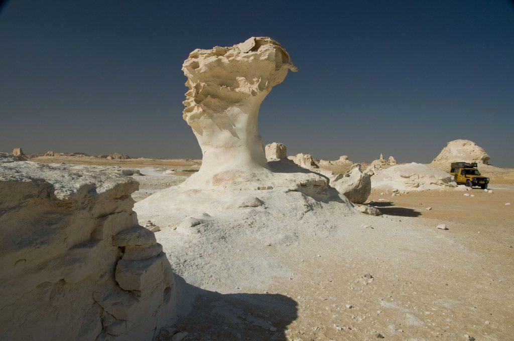 desert-657728_1280