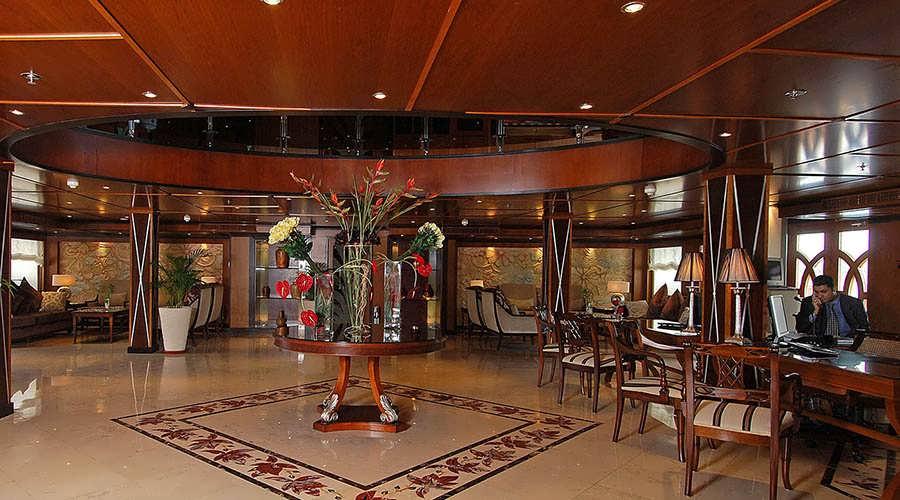 amarco-ii-nile-cruise-lobby