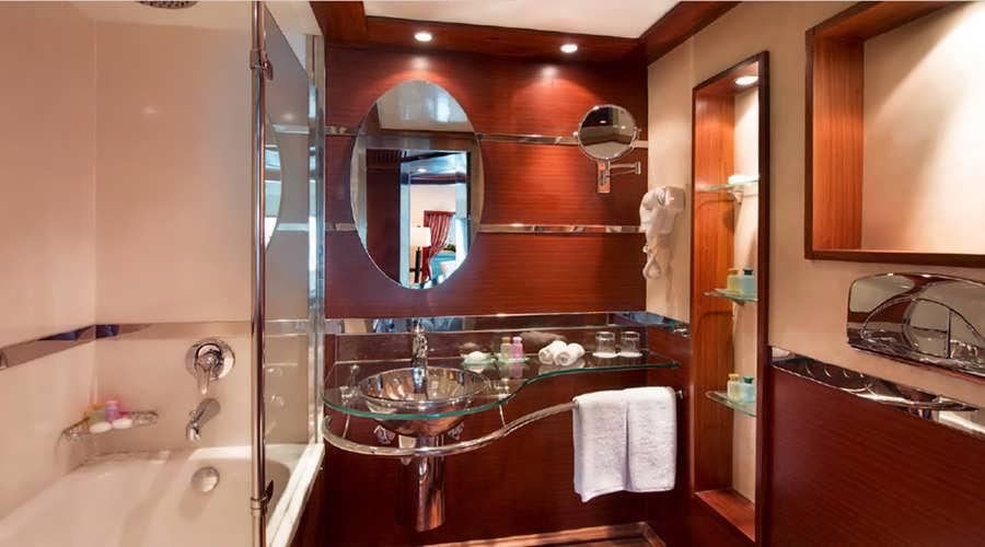 amwaj-living-stone-nile-cruise-bathroom_2