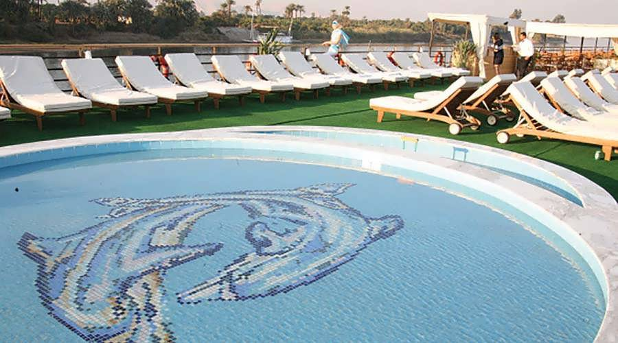 nile-dolphine-nile-cruise-pool
