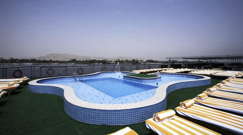 nile-premium-nile-cruise-pool